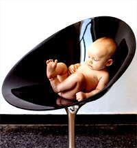 Новая жизнь от KARTELL. Мебельная выставка SALONE DEL MOBILE 2005.
