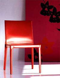Чистые линии от CORUM. Мебельная выставка SALONE DEL MOBILE 2005.